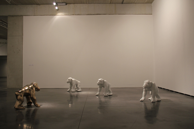 THE INFINITE MONKEY THEOREME, Bronce and aluminum casting, variable dimensions, 2011